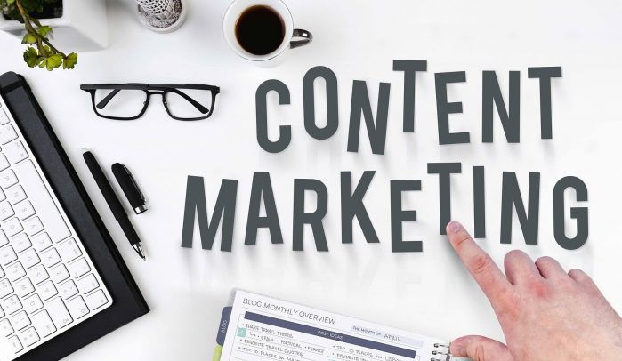 The-words-Content-and-Marketing-on-a-desktop